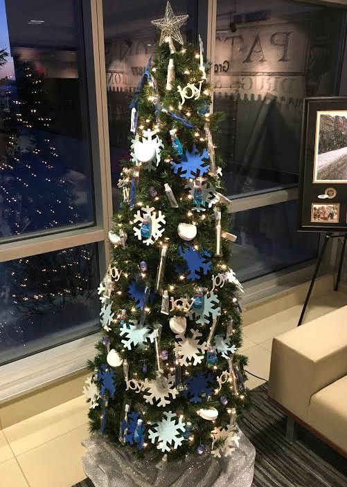 patient giveaway tree lit up
