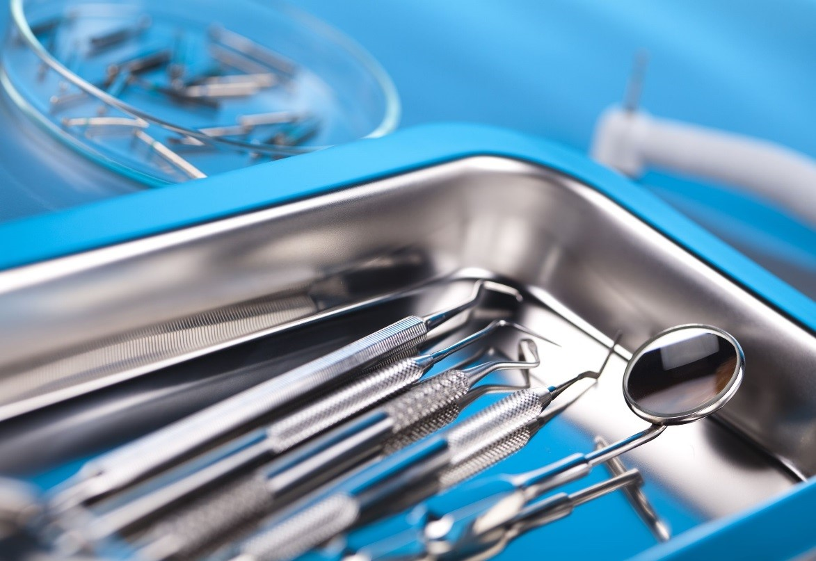 dental instruments in a tray