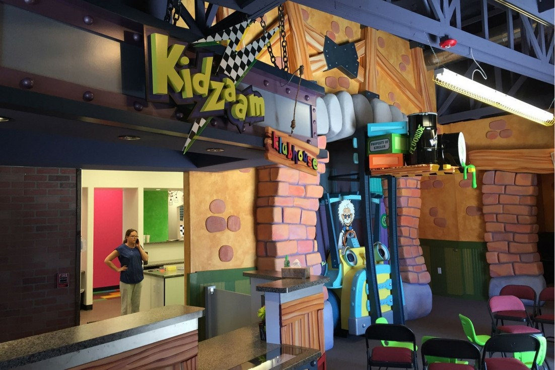 kidzaam front desk